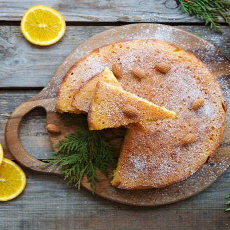 Migdolų pyragas su slyvų kauliukų aliejumi (be glitimo)