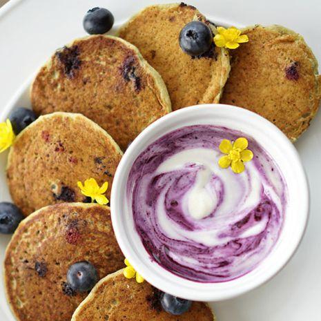 Saldūs cukinijų blyneliai su mėlynių kremu (be glitimo)