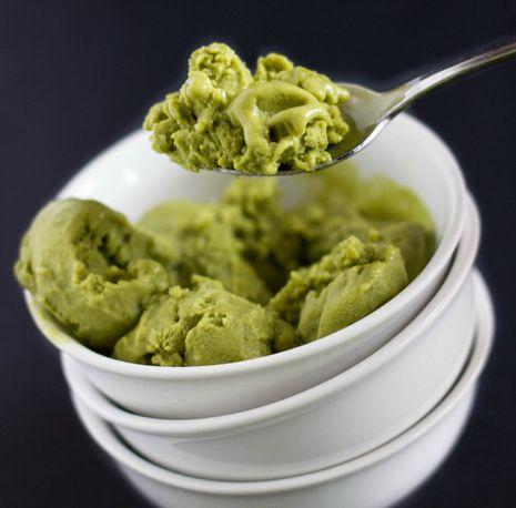 Vegan jäätis rohelise teega