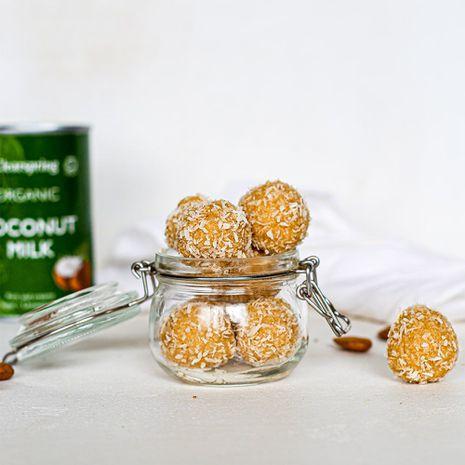 Kokosriekstu bumbiņas