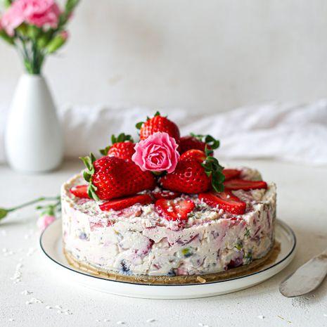 Kohupiima magustoit maasikatega