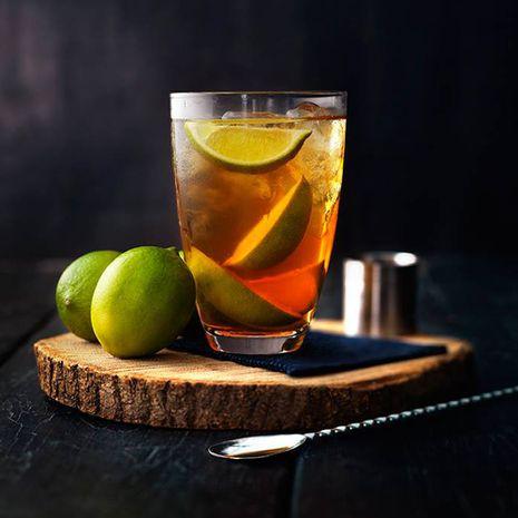 Kokteiliai su nealkoholiniu imbieriniu vynu