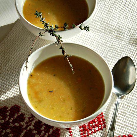 Trinta daržovių sriuba su raudonaisiais lęšiais