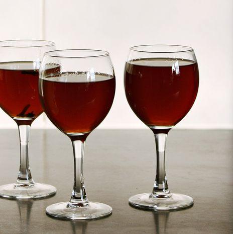 "Kokteilis ""Putojantis vynas"""