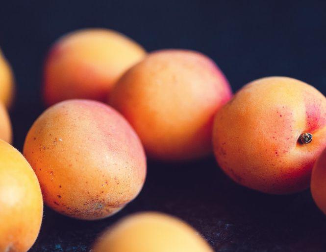 Apie abrikosų kauliukų aliejų kosmetikoje
