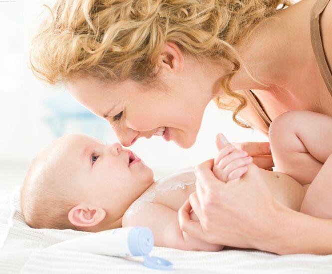 Kosmetika kūdikiams – natūralumas ir patirtis